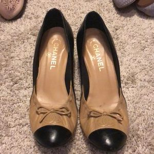 Authenticity Chanel toe capped small heels